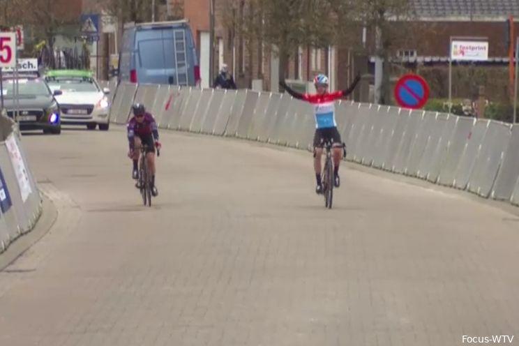Pieters gunt Majerus de zege na knap ploegstaaltje in de Omloop van de Westhoek