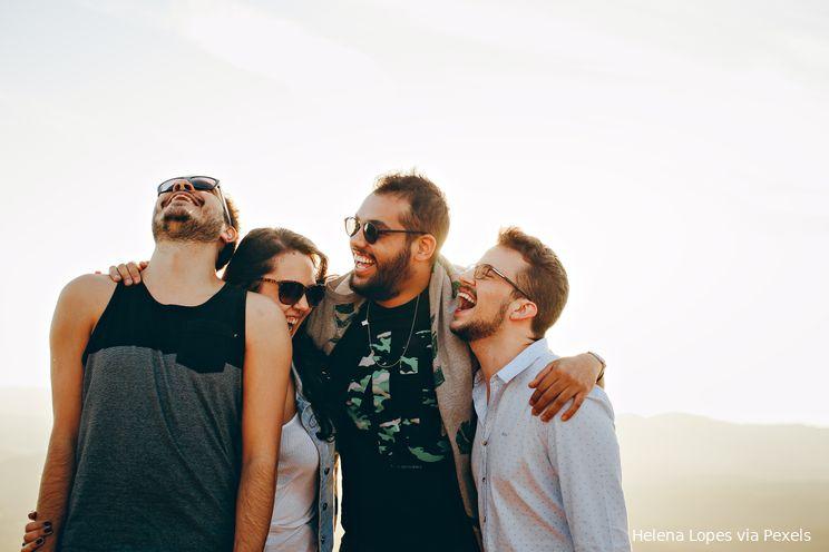 'De zekerste manier om gelukkig te zijn, is het geluk van anderen te zoeken'