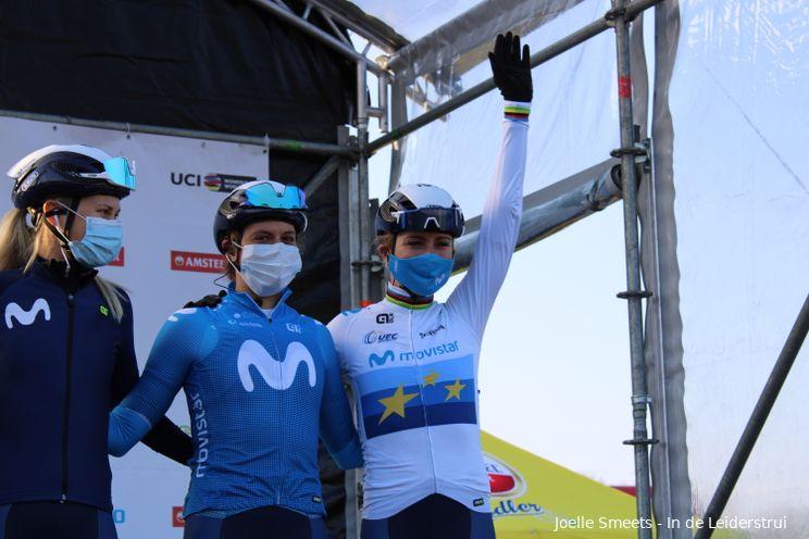 Van Vleuten wil Parijs-Roubaix vooral 'beleven': 'Parcours past beter bij teamgenoten'