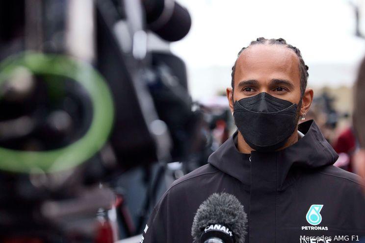 Hamilton wil eerlijk winnen van Verstappen: 'Dan behoud ik tenminste mijn waardigheid'