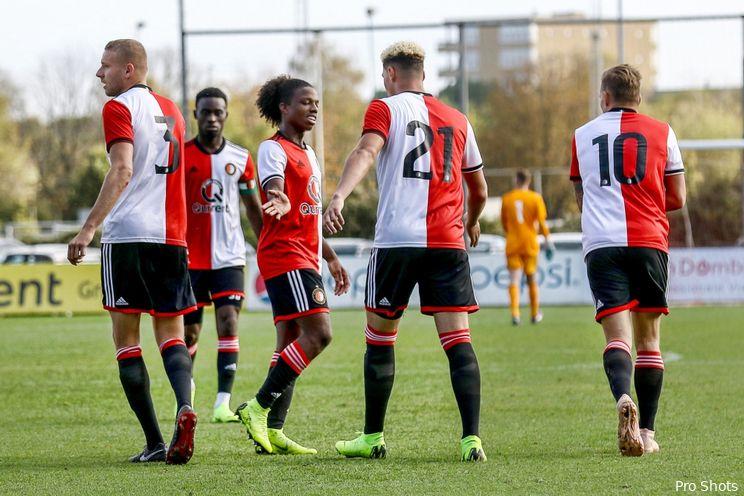 Spelers Jong Feyenoord trainen bij Feyenoord 1 en Onder 19