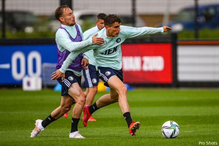 Antonucci en Diemers krijgen applaus na terugkeer trainingsveld