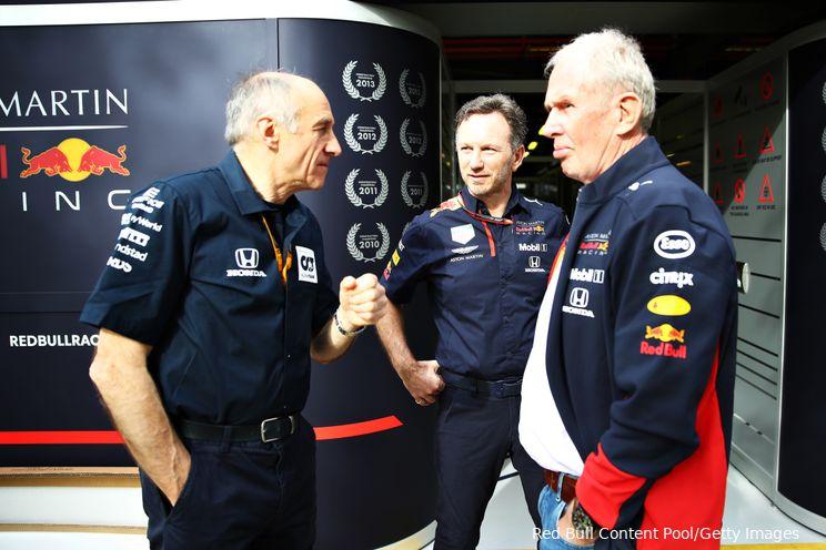 Horner ziet blijvend voordeel voor Verstappen na motorwissels bij beide titelkandidaten