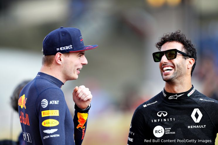 Ondertussen in de F1   Ricciardo als super Verstappen-supporter tijdens GP Nederland