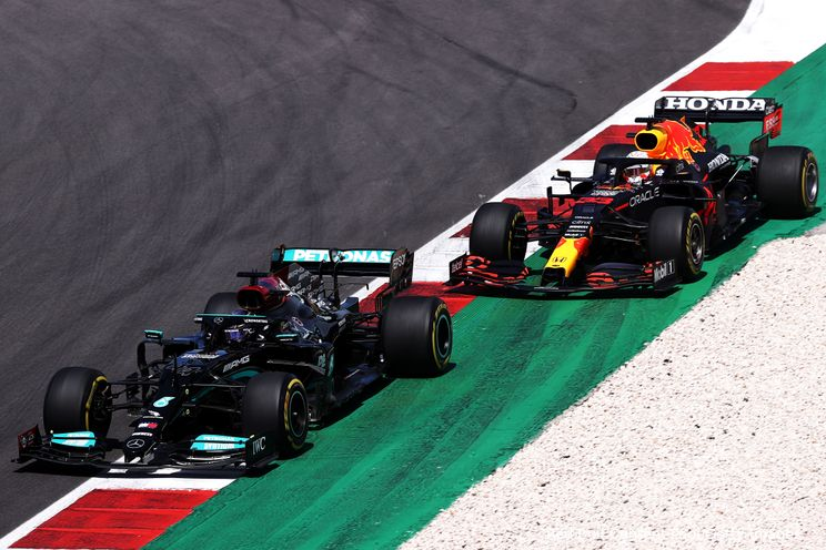 Windsor voorspelt sombere race voor Verstappen: 'Geen kans tegen Hamilton én Bottas'