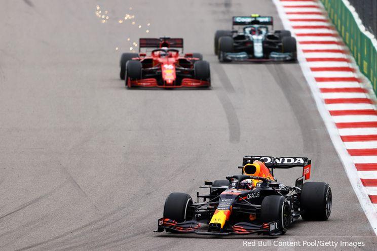 Albers merkt op: 'Dan werkt die Mercedes-auto voor geen meter'