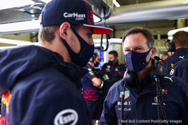 Horner klaagt over topsnelheid Mercedes: 'Daar is iets vreemds aan de hand'