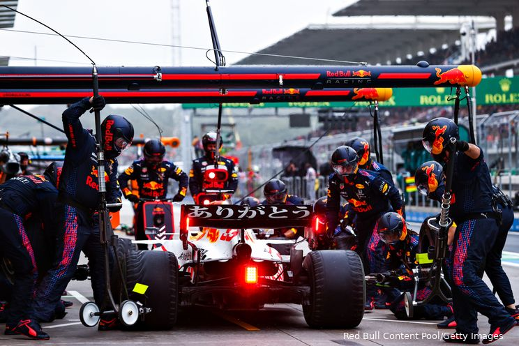 Lammers ziet het de verkeerde kant opgaan: 'Red Bull moet zich zorgen maken'