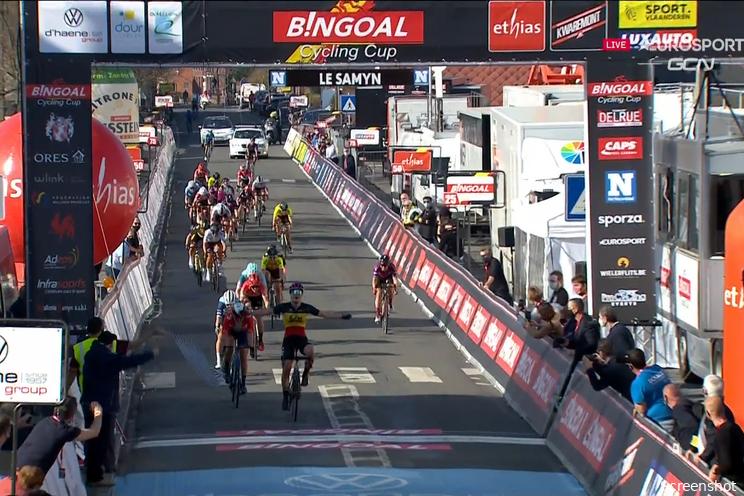 Kopecky klopt Norsgaard in de sprint na chaotische finale Le Samyn des Dames