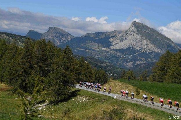 Parcours Tour de France 2022: Kasseien, comeback Alpe d'Huez en twee tijdritten