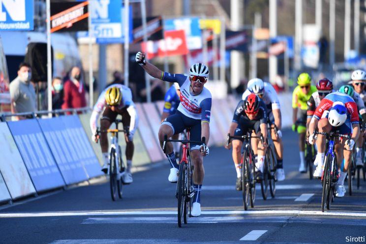 Pedersen sprint naar zege in Kuurne, spektakelpoging Van der Poel strandt op het eind