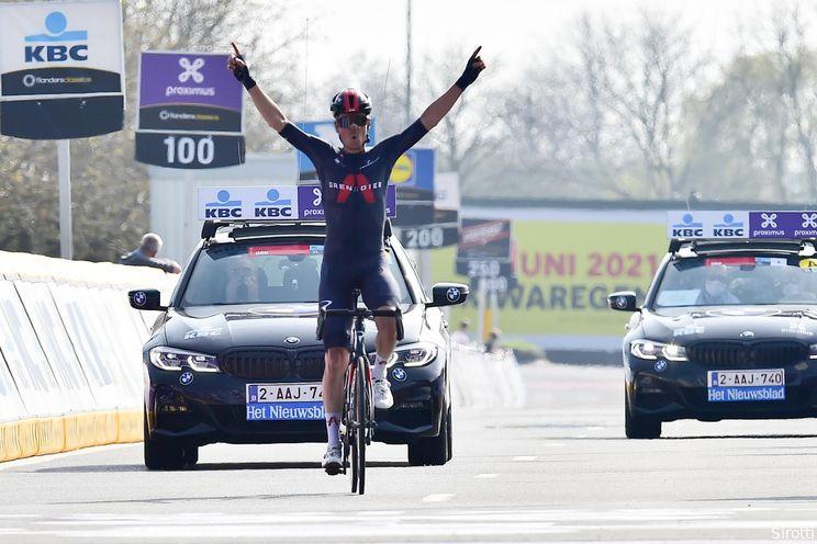 Weergaloze Van Baarle rondt solo van 54 kilometer af in Dwars door Vlaanderen