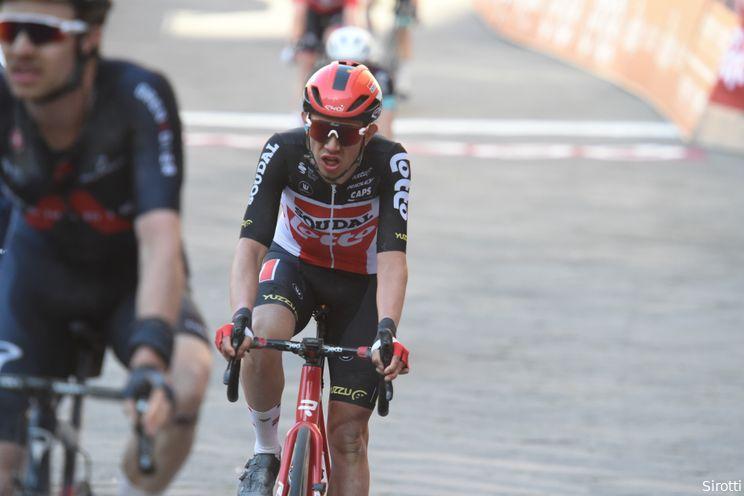 Kron klopt medevluchters en slaat dubbelslag in eerste etappe Ronde van Catalonië
