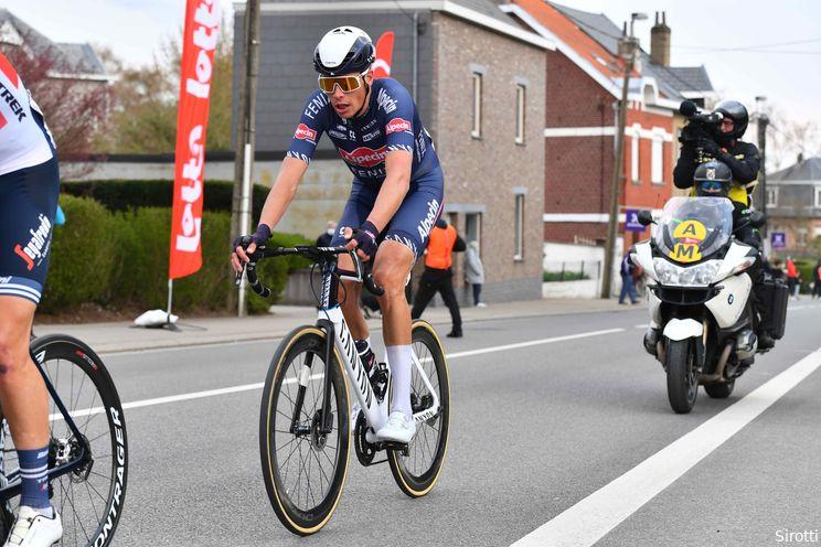 Van der Poel verliest knecht voor Parijs-Roubaix: Riesebeek breekt bekken bij verkenning