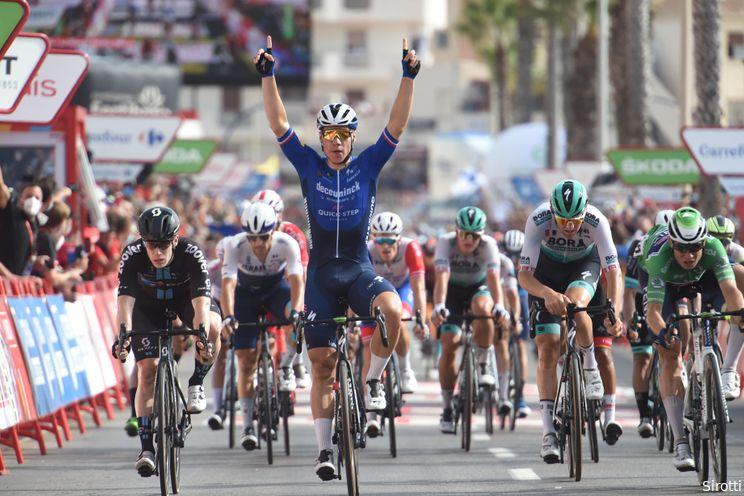 Jakobsen verschalkt concurrenten in achtste etappe Vuelta a España