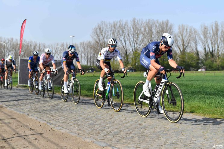 Philipsen in topvorm, maar niet als kopman naar Roubaix: 'Rijd om Mathieu te ondersteunen'