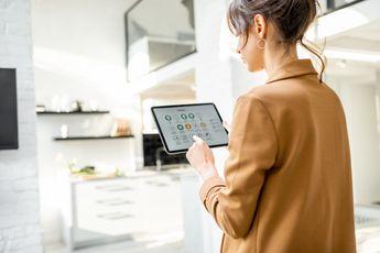 'Helft Nederlandse gezinnen heeft smarthome thuis, dit is populair'