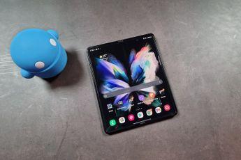 Samsung Galaxy Z Fold 3 ondergaat marteltest en dit blijft er van over