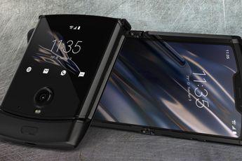 """Motorola: """"bulten op het scherm van de Razr zijn normaal"""""""