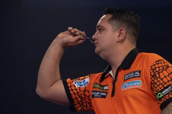 """De Zwaan on shock of Van Barneveld not receiving World Series Finals spot: """"He's had a better year than me and of course it's Barney"""""""