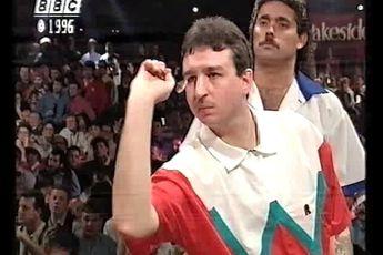 THROWBACK VIDEO: Beaton dethrones Burnett to claim 1996 BDO World Darts Championship