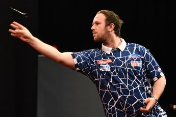 Rydz edges past Durrant in gruelling battle on World Matchplay debut