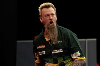 Whitlock and Huybrechts ease through with standout displays