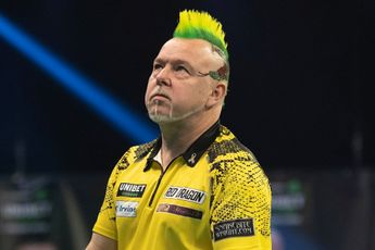 """Wright responds to Taylor's remarks on changing darts: """"As long as I'm still competing for trophies then I'll keep on changing"""""""