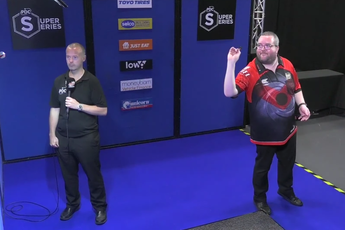 VIDEO: Bunting faces Van den Bergh in PDC Super Series 5 Day One final