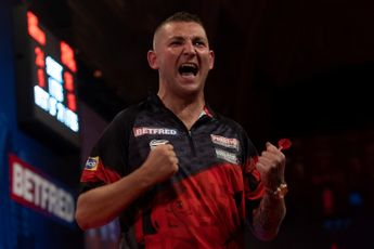 Convincing victories for Humphries and Aspinall, Barry knocks out Van Duijvenbode
