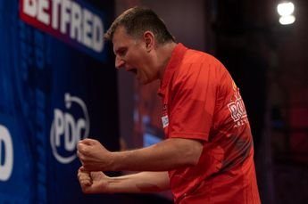 Ratajski moves into maiden PDC major semi-final at World Matchplay with victory over Rydz