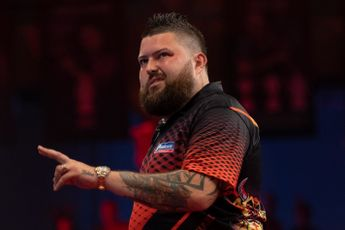 Michael Smith returns to winning ways with comeback win over Ross Smith to claim Players Championship 27 title