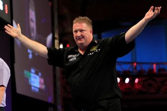 """Lloyd on woes of Netherlands and England in World Cup of Darts: """"They have to sort themselves out"""""""