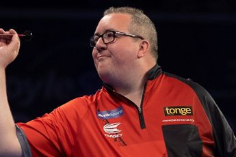 Bunting continues fine form with victory over Wade to book World Grand Prix Quarter-Final spot
