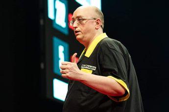 Gilding hits nine-dart finish during Players Championship in Barnsley