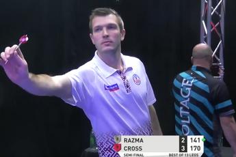 VIDEO: Razma wirft 9-Darter gegen Cross bei der PDC Super Series