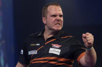 Van Duijvenbode verslaat Kleermaker in Nederlandse finale op PDC Super Series (liveblog gesloten)