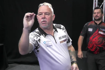VIDEO: Wright en Clayton treffen elkaar in finale op slotdag PDC Super Series 6