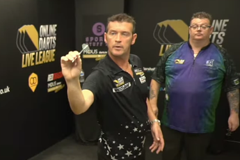 VIDEO: Osborne zorgt voor derde negendarter in kort tijdbestek tijdens Online Darts League