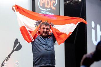 Suljovic kon niet gelijk juichen na bereiken EK-kwartfinale: 'Ik zag niet of de pijl erin zat'