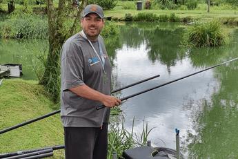 PDC-sterren doen weer mee aan jaarlijkse viswedstrijd voor goed doel