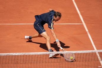 Medvedev loses 1st set, then smashes Paul to win Roland Garros night match