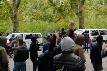 Gezellige derby NEC - Vitesse: Relschoppers vernielen politiebusje