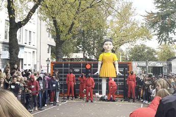 Squid Game in Rotterdam: Mensen staan 4 uur in de rij om Annemaria Koekoek te spelen