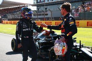 F1-baas kritisch over Verstappen en Hamilton: 'Je hebt twee haantjes en je ziet de gevolgen'