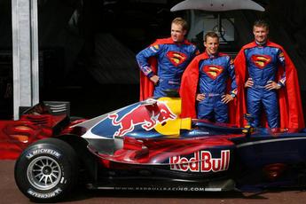 Red Bull met wederom een speciale livery: een gunstig voorteken voor Verstappen?