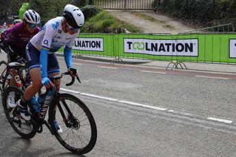 Van Vleuten blij met fietskeuze na winst in klimtijdrit: 'We waren er niet zeker van'