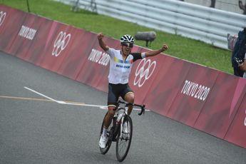 Carapaz stoomt naar olympische titel namens Ecuador; Van Aert zilver, Pogacar brons