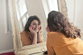 Bewust of onbewust: je eigen gezicht zien activeert het dopamine beloningssysteem in je brein