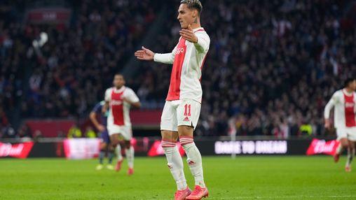 Antony trots op teamprestatie Ajax tegen PSV: 'Fans hebben ons nog meer gemotiveerd'